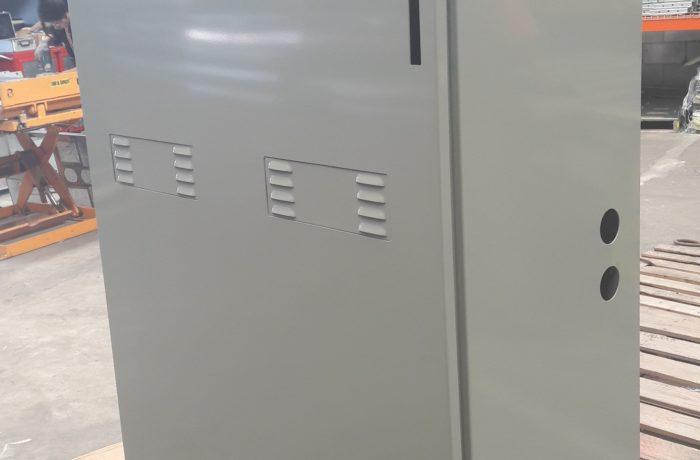 Battery cabinet solar energy